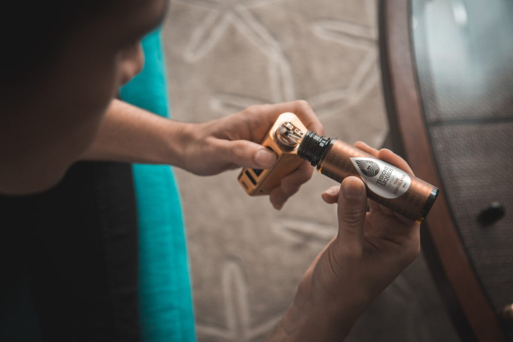 Vaping has a one-year abstinence rate of 18% while nicotine replacement therapies have a one-year abstinence rate of 9.9%.